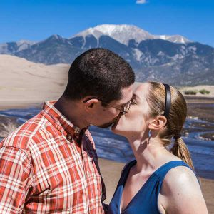 couple-kissing-at-beach