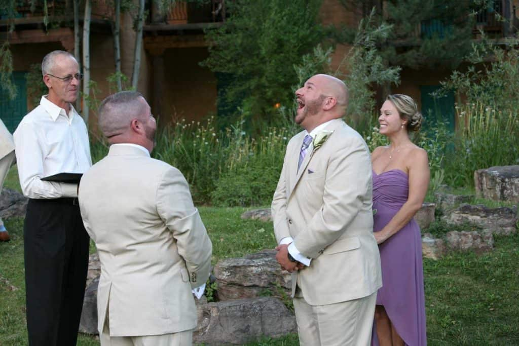 hiring a wedding officiant ensures a relaxed wedding day